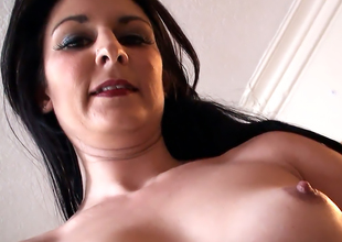 Sophie wanks & cums three times