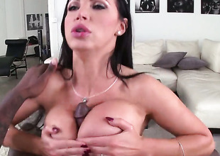Dark brown Nikki Benz with juicy booty has great sexual experience and expands it with hard dicked guy