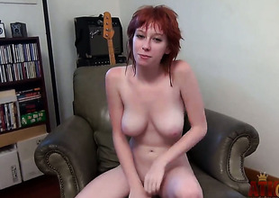 Gorgeous exotic hooker Zoey Nixon has some time to play with her muff pie