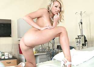 Shawna Lenee strips down to her bare skin to play with herself naked