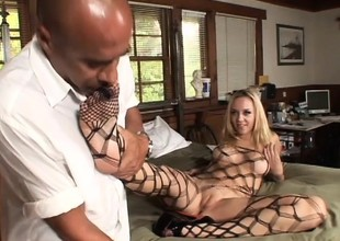 Annette Schwarz gets her feet and her twat licked by a horny black guy