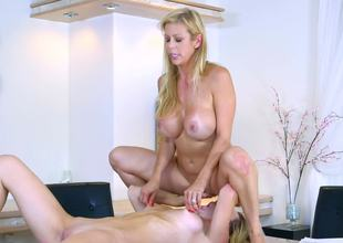 Molly Mae rimming out hawt milf Alexis Fawx