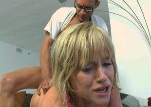 Large 10-Pounder stretches slutty girl Naomi Cruise in a great fuck clip