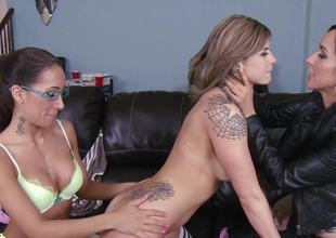 Hawt mommy takes control in a wild lesbo threesome