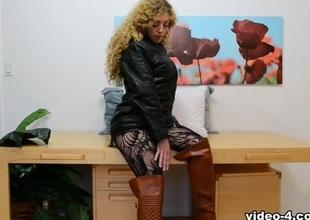 Leona in Masturbation Movie - ATKHairy