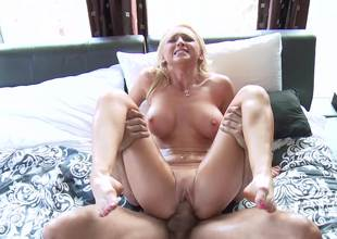 Sex with Alix Lynx is the hottest imaginable