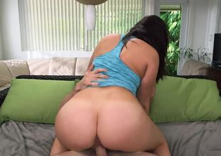 Large butt babe removes her panties from her sizable booty
