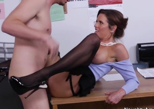 Veronica Avluv & Dane Cross in Naughty Office
