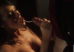 Alektra Blue gives sensual oral job hawt guy