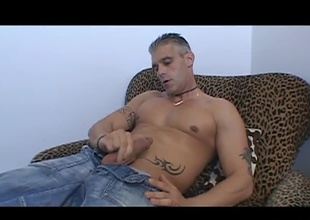 Salt n' pepper stud Eric Price gets busted with his hands down his pants in this hot video. That guy was relatively kewl about it though and he even invited us to watch him get off! How could we refuse such a tantalizing offer? Watch as this stud yanks and tugs