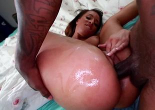 Black girl has cum dripping from her mouth after that babe sucks