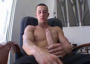 Chris Strokes strokes his meat showing us what a handyman this chab is! It dosen't take lengthy for his cock to get hard and stay hard. After some hardcore stroking, Chris can't hold it in anymore and has to show us what he's made of....