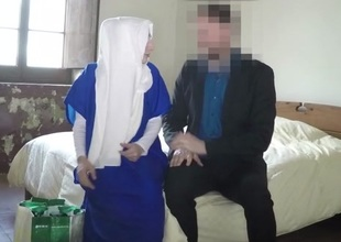 Meet New Sexy Arab Girlfriend And My Boss Fuck Her Good For U To See - ArabsExposed
