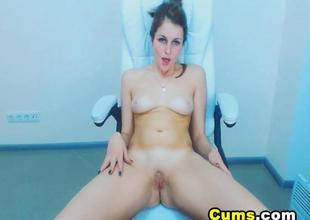 Sexy Sweetheart Plays with herself on Webcam