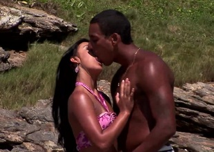 Hottie Simone gets her cunt fucked on the beach previous to getting cum swallow