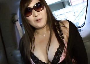 Serina and hot guy enjoy oral sex