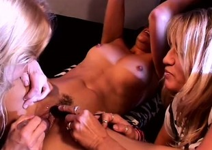 Experienced lesbo sluts show what they can do with toys and tongues