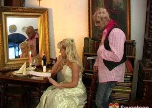 Dirty teen princess likes salacious sexual affairs