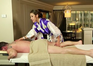Traditional massage turns into a super hot cock engulfing session