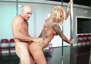 Johnny Sins makes Extremely hot wench Britney Shannon with huge hooters shriek and shout with his rock solid fuck stick in her snatch