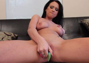 A solo hotty that likes her strange vibrator is showing us its uses